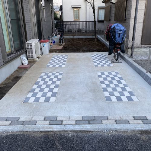 """<span class=""""title"""">2021-03-05   西東京市中町一丁目現場-駐車場土間改修・ポーチ脇土間コンクリート打設工事をアップしました。</span>"""